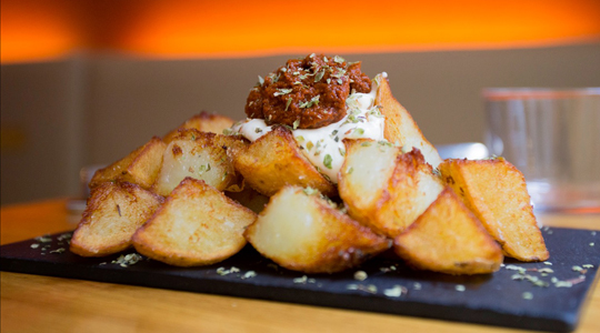 bravas-gilda-tapas-barcelona-gotico neighborhood